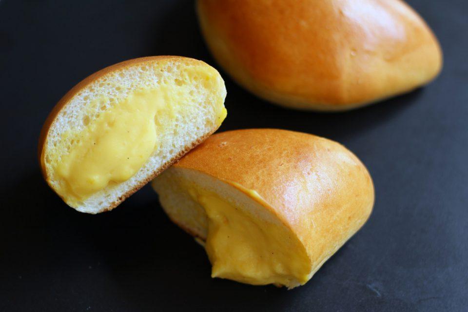 >自家製カスタードクリームパン