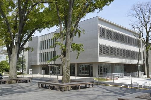 東京学芸大学附属図書館
